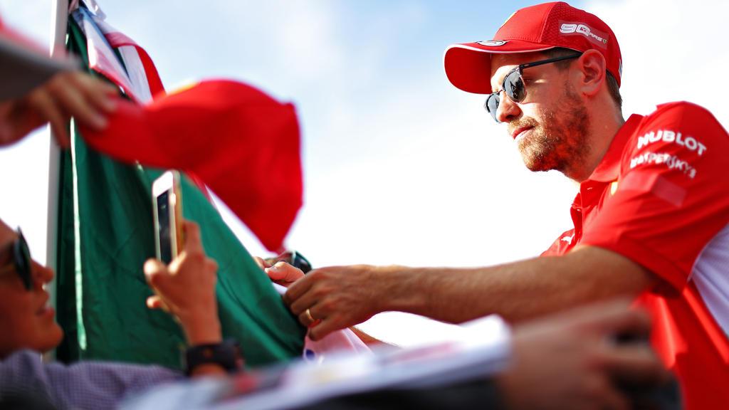 Nicht zu übersehen: Sebastian Vettel trägt im Rahmen des GP von Frankreich plötzlich einen goldenen Ring am Finger