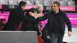 Hansi Flick (r.) wird den FC Bayern im Sommer wohl verlassen