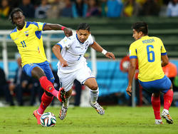 Caicedo säbelt am Ball vorbei