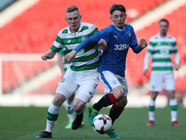 Billy Gilmour (r.)