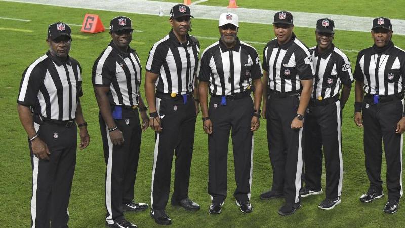 Das Schiedsrichter-Team der NFL für das Spiel zwischen Rams und Buccaneers