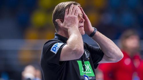 Bundestrainer Alfred Gislason muss nach der Niederlage direkt wieder nach vorne blicken