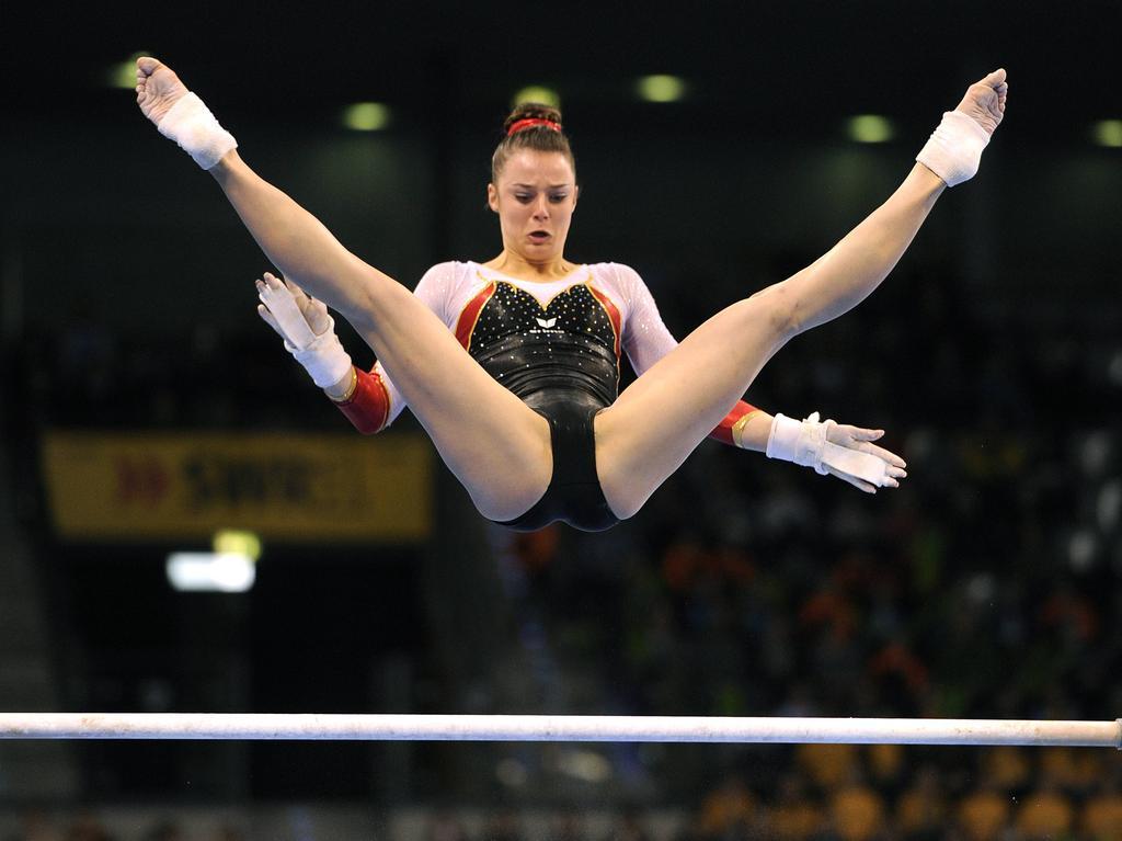 Спорте в гимнасток у моменты эротические