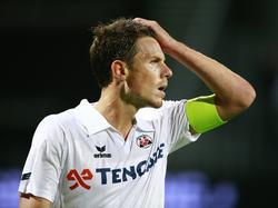 Aanvoerder Mark-Jan Fledderus ziet dat het wéér niet goed gaat met Heracles Almelo. Voor de vierde wedstrijd op rij gaat zijn nieuwe club onderuit in de Eredivisie. (30-08-2014)
