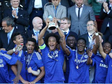 Die Spieler des Chelsea FC feiern den Gewinn der Youth League