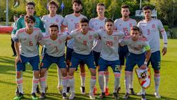 La selección Sub-17 de España antes del comienzo de la semifinal. (Foto: @Sefutbol)