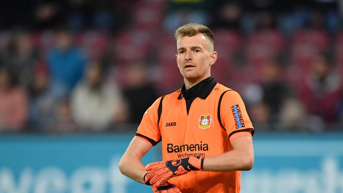 Leverkusen-Torwart Lukas Hradecky floh in seiner Heimat vor einem Bären. Foto: Uwe Anspach