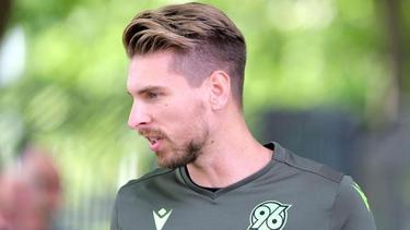 Trifft zum Auftakt der 2. Liga gleich auf seinen ehemaligen Klub VfB Stuttgart: Hannovers Torwart Ron-Robert Zieler
