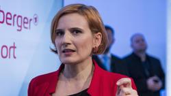 Katja Kipping will Versammlungen vermeiden