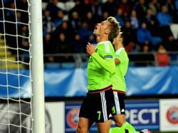Ajacied Viktor Fischer baalt van een gemiste kans in het Europa League-duel met Molde FK. (01-10-2015)