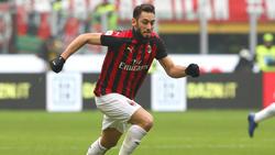 Hakan Calhanoglu ist sich angeblich mit RB Leipzig einig