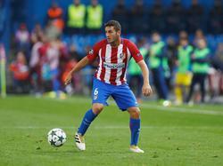 Koke heeft de bal tijdens het Champions League-duel Atlético Madrid - FK Rostov (01-11-2016).