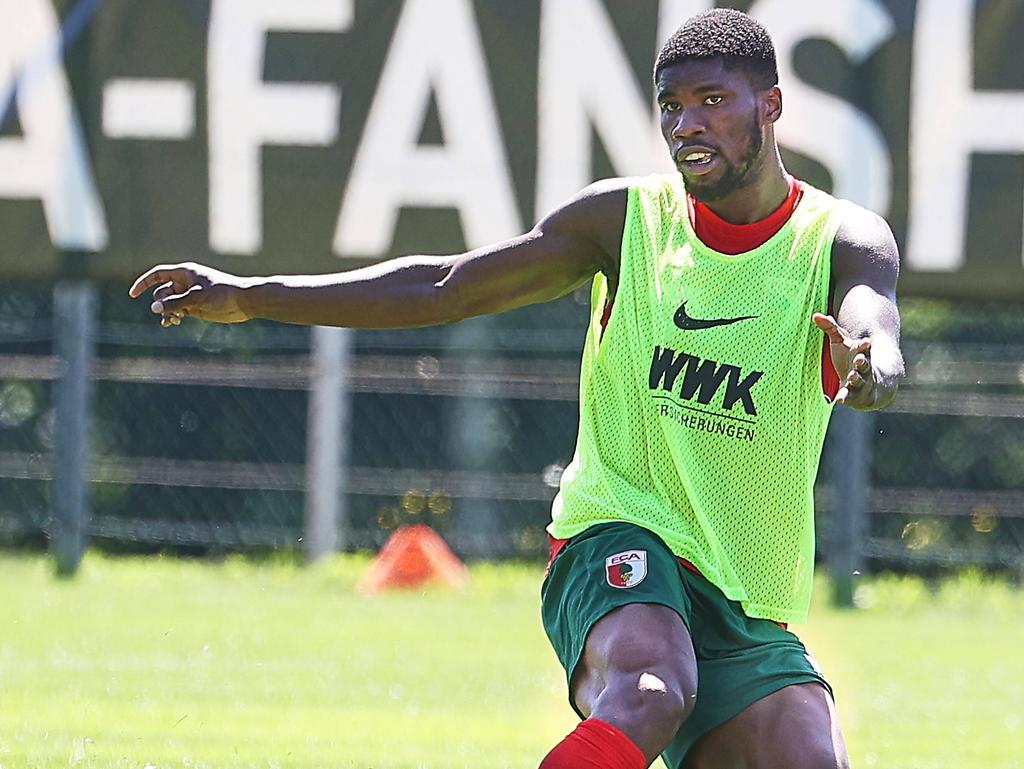 Kevin Danso steht beim FC Augsburg vor dem Abgang