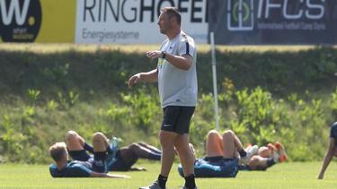Pál Dárdai leitet das Training von Hertha BSC