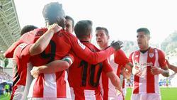 Los jugadores del Athletic celebran su gol pero no pudieron ganar en Eibar. (Foto: Getty)