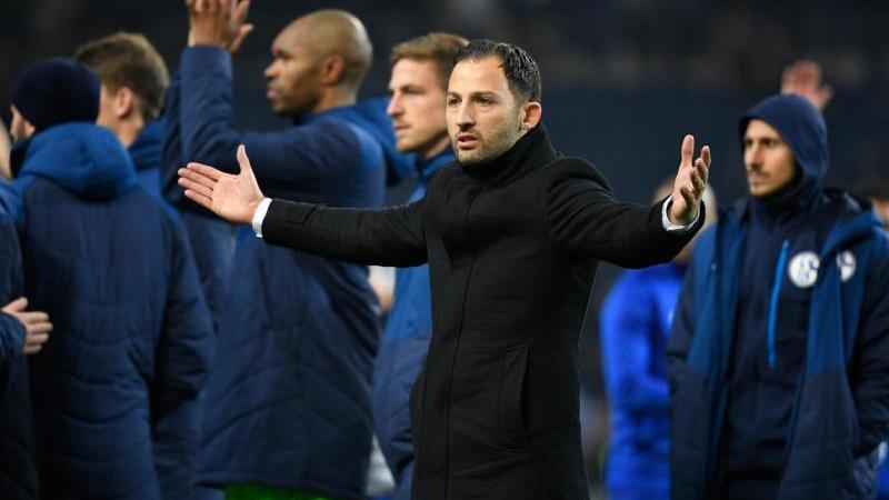 Nach dem 1:3 gegen den FC Porto stellen sich die Schalker den Fans