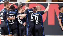 Die Paderborner Spieler könnten schon am Wochenende den Aufstieg in die Bundesliga feiern
