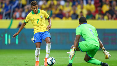 David Neres hizo el quinto tanto carioca.