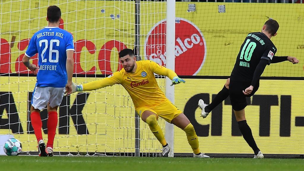 2 Bundesliga Holstein Kiel Kassiert Erste Niederlage Gegen Greuther Furth