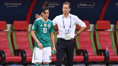 Bierhoff würde ein Gespräch mit Özil begrüßen