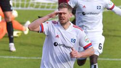 Auch Simon Terodde vom HSV soll das Interesse des FC Schalke 04 geweckt haben