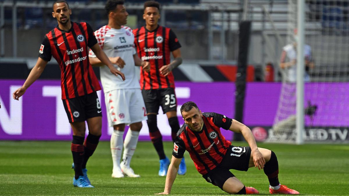 Eintracht Frankfurt patzt, der BVB darf hoffen