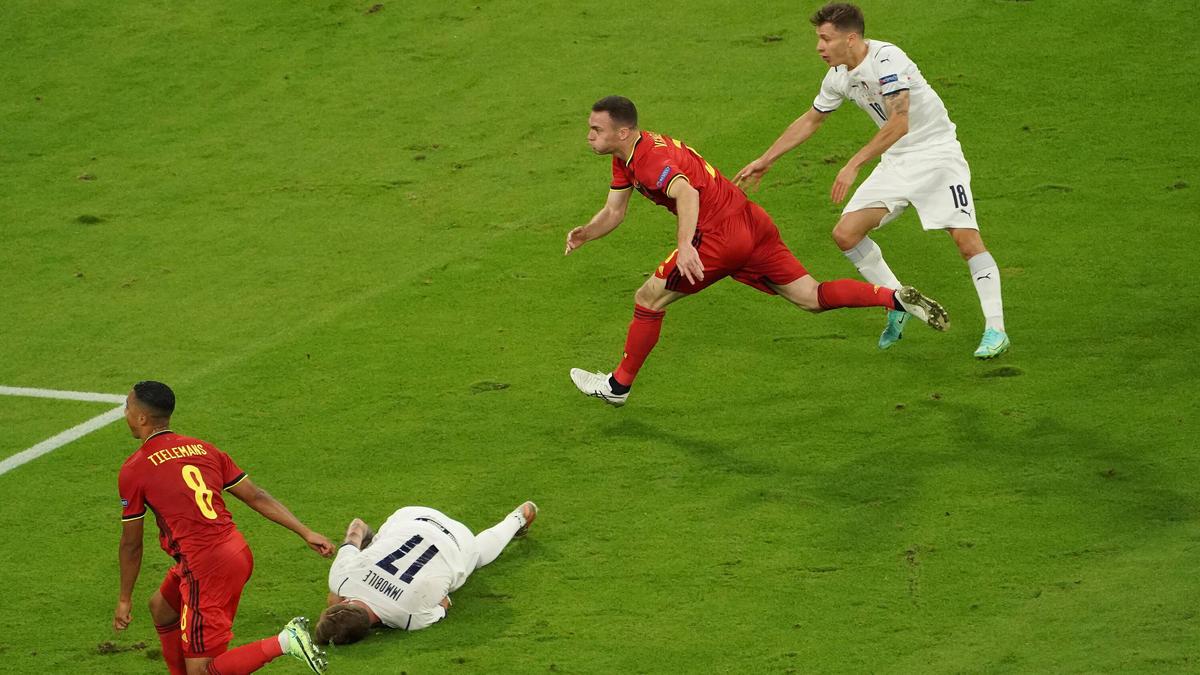 """Immobile liegt gegen Belgien """"schwer verletzt"""" am Boden"""