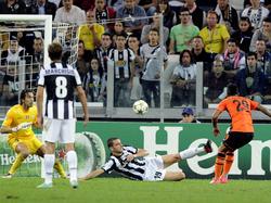 Alex Teixeira trifft zum 0:1