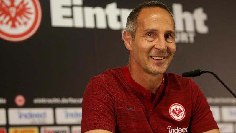 Für Trainer Adi Hütter geht es mit Eintracht Frankfurt in der Europa League als nächstes in die Ukraine