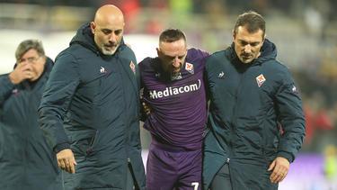 Franck Ribery tuvo que abandonar el campo ante el Lecce.