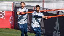 Sven Ulreich (r.) hat sich im Training des FC Bayern verletzt