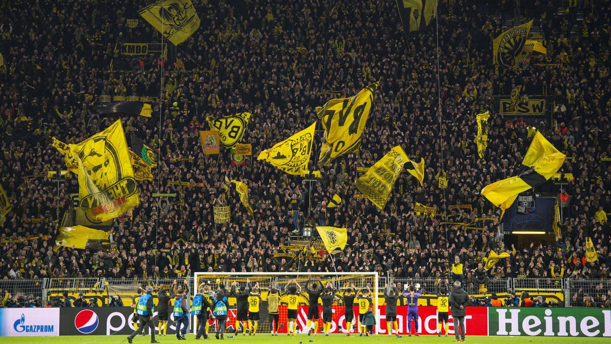 Wegen der Corona-Pandemie steht der Fußball in Europas Top-Ligen still