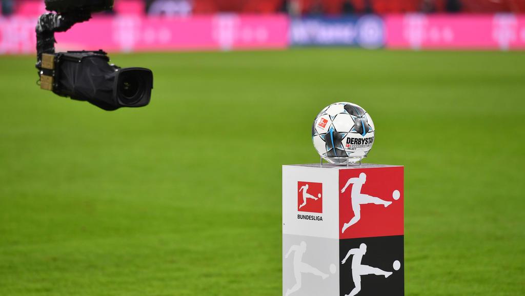 Sind Live-Übertragungen von Fußball-Spielen in der Coronakrise ein Problem?