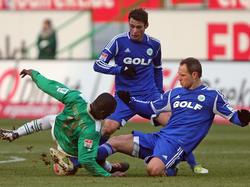 Asamoah gegen eine Wolfsburger Überzahl