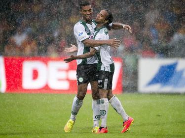 Jarchinio Antonia (r.) en Johan Kappelhof (l.) vieren de 2-3 tijdens Go Ahead Eagles - FC Groningen. Voetbal.com Foto van de Week. (10-8-2014)