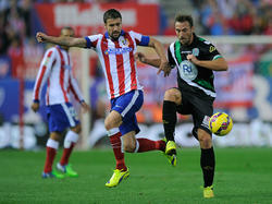 Atléticos Kapitän Gabi im Zweikampf gegen López Garai