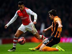 Sanchez geht ins Dribbling