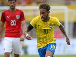 Neymar am Ball