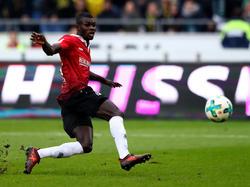 Droht gegen RB Leipzig auszufallen: 96-Angreifer Ihlas Bebou