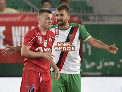 Abwehr-Routinier Stojkovic (r.) ist wieder zurück bei Rapid