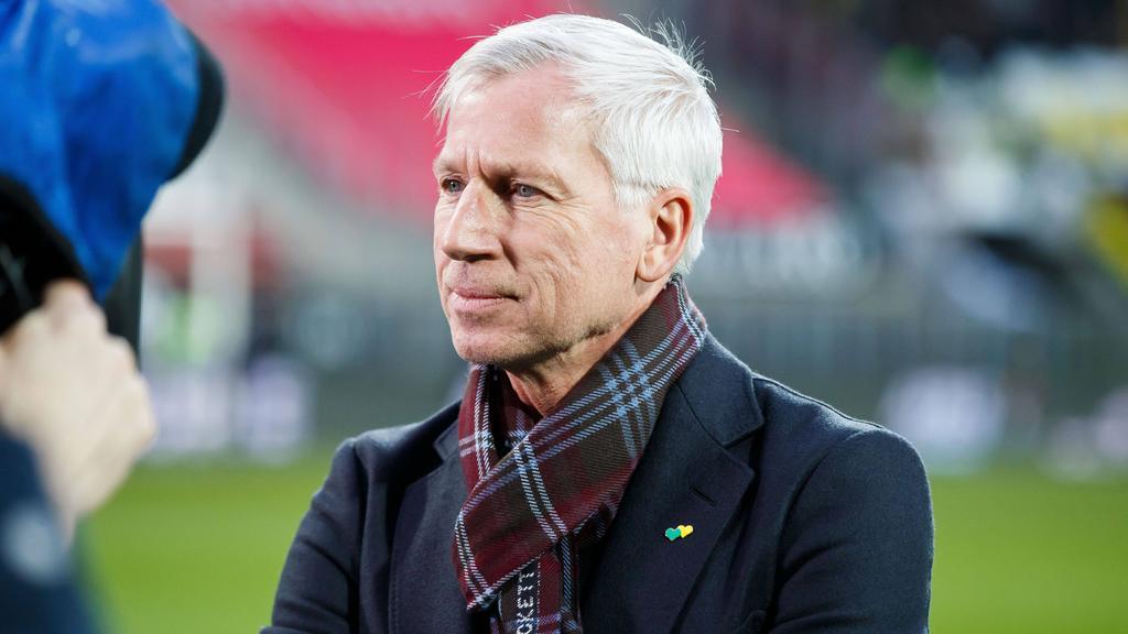 Alan Pardew muss in Den Haag gehen