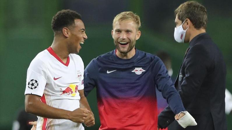 Gefeierter Mann nach Leipzigs Halbfinaleinzug: Tyler Adams (l.)