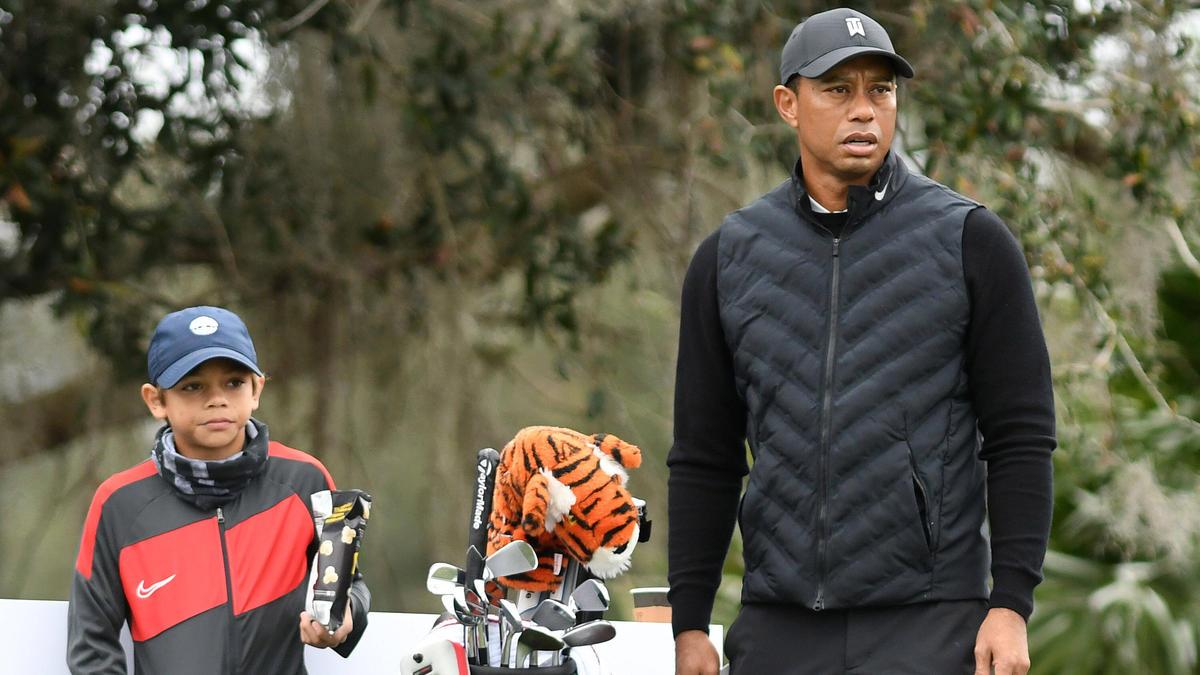 Der elfjährige Charlie Woods (l.) verzückt die Golf-Welt