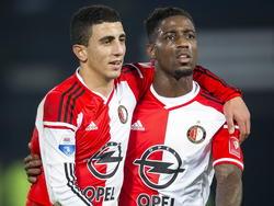 Samen met mede-invaller Bilal Başaçıkoğlu (l.) viert Ruben Schaken (r.) zijn 2-0 in het duel tussen Feyenoord en FC Dordrecht. (22-11-2014)