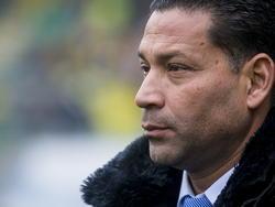 ADO Den Haag-trainer Henk Fraser kijkt toe tijdens het competitieduel ADO Den Haag - Ajax. (30-11-2014)