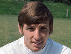 1943 Martin Peters, Weltmeister sowie Gewinner des UEFA-Cups mit West Ham und des Europapokals der Pokalsieger mit Tottenham, wird in London geboren.