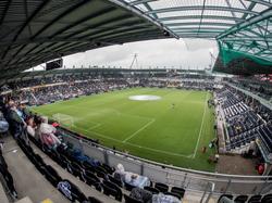 Heracles Almelo heeft het stadion verbouwd. Dit is het resultaat. Het wordt geopend in het duel met NEC Nijmegen. (16-08-2015)