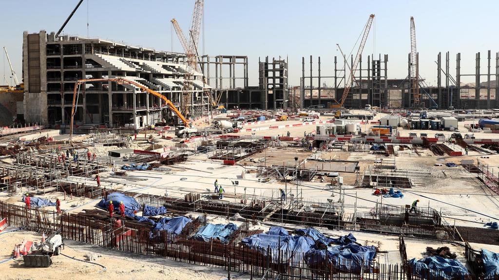 Wm News Katar Arbeiter Fur Wm Stadion Umgekommen