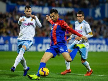 Enric Gallego contra el RealZaragoza. (Foto: Imago)