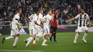 Khedira (re.) bejubelte mit seinen Kollegen den Sieg gegen Milan